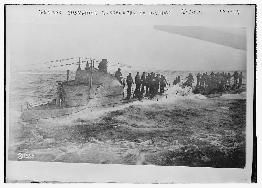 A German submarine and its crew surrenders to the United Stats Navy. Source: National Library of Congress