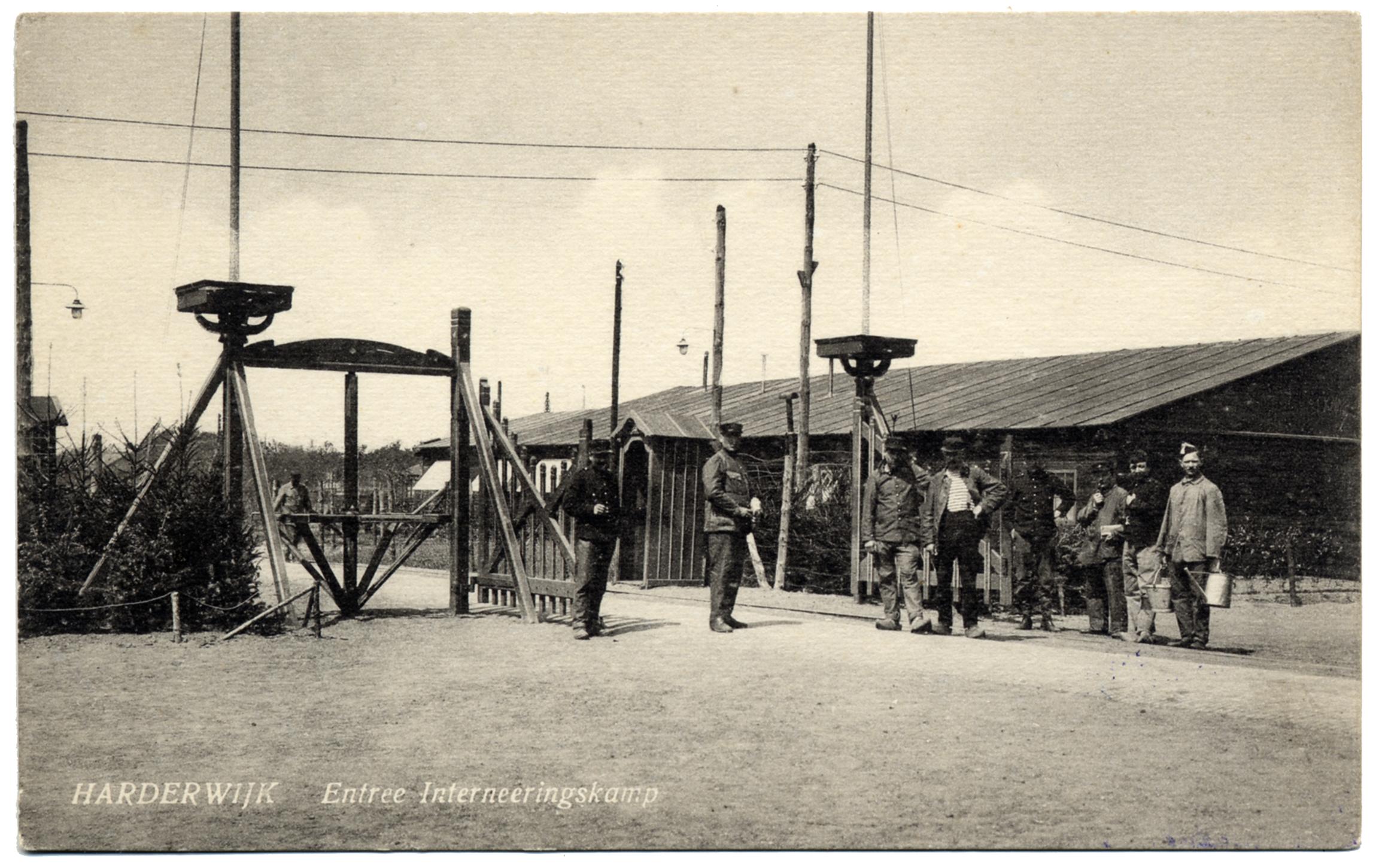 De ingang van interneringskamp Harderwijk - Databank Agrippa, Letterenhuis