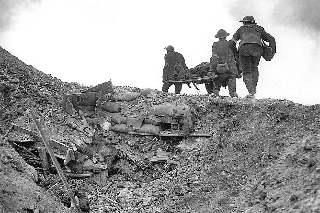 Stretcher bearers during the Battle of Thiepval Ridge, september 1916.